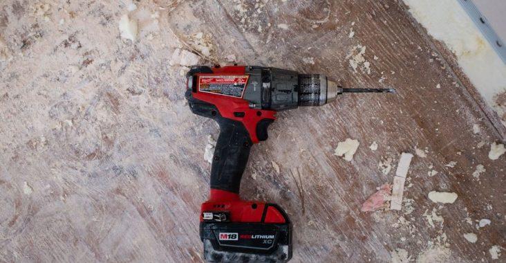 En drill er bare en av mange verktøy som er batteridrevet